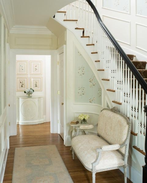 Laura-hallway